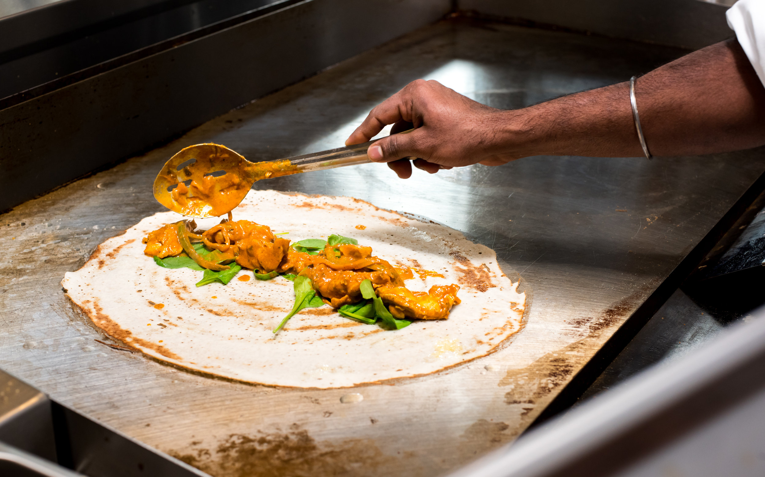 Butter chicken dosa