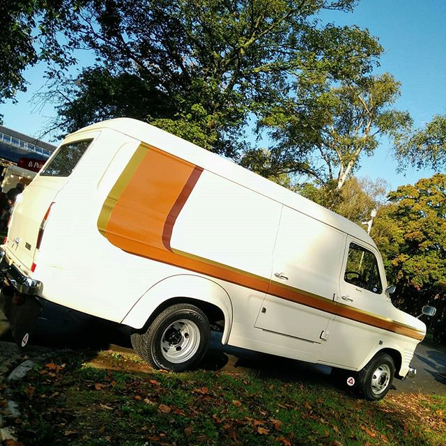 Groovy stripes and some ace period details on this #Ford #transit at #sundayscramble #brown