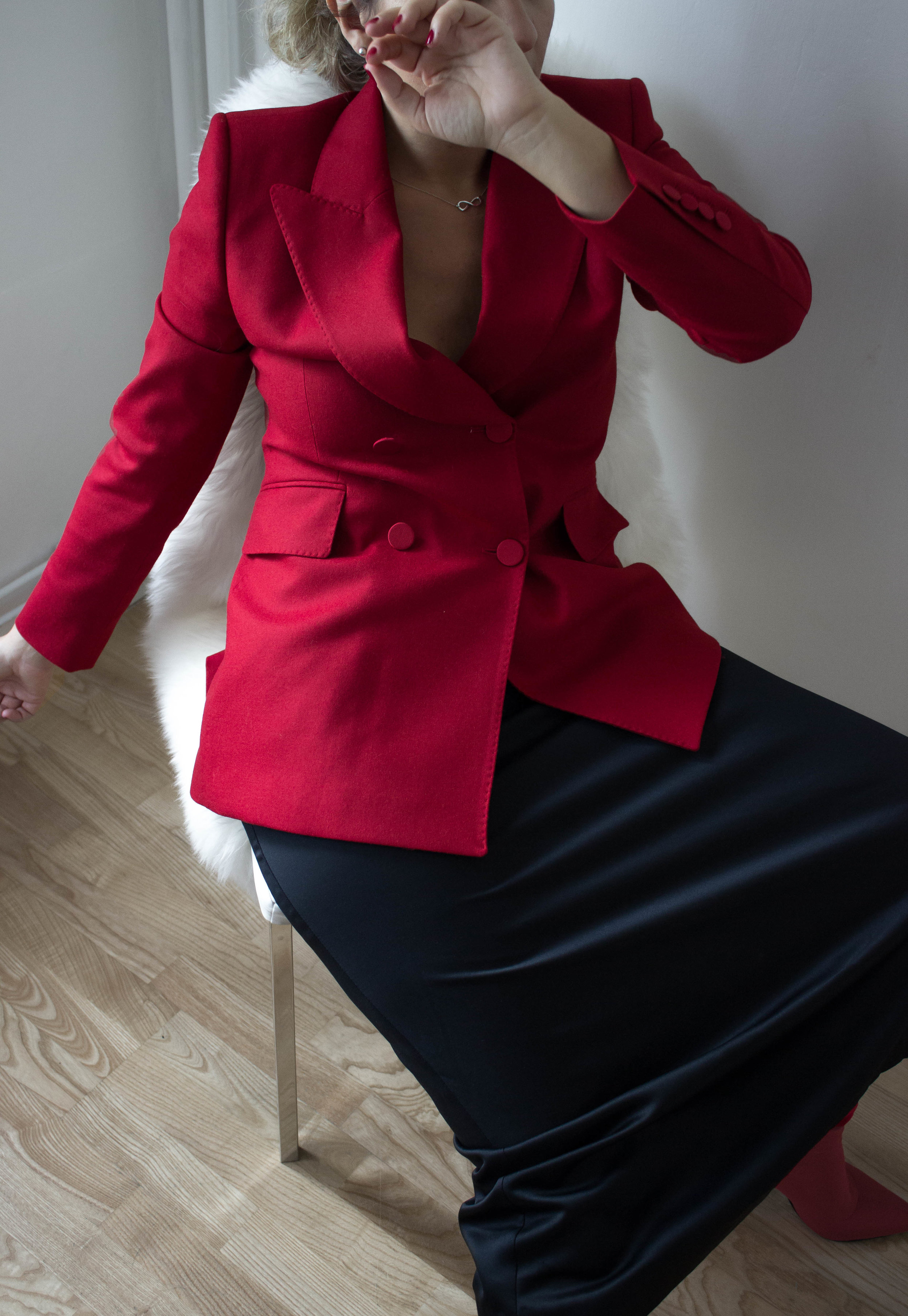 Wearing// Blazer Massimo Dutti, Boots Mango, Silk Skirt Vintage