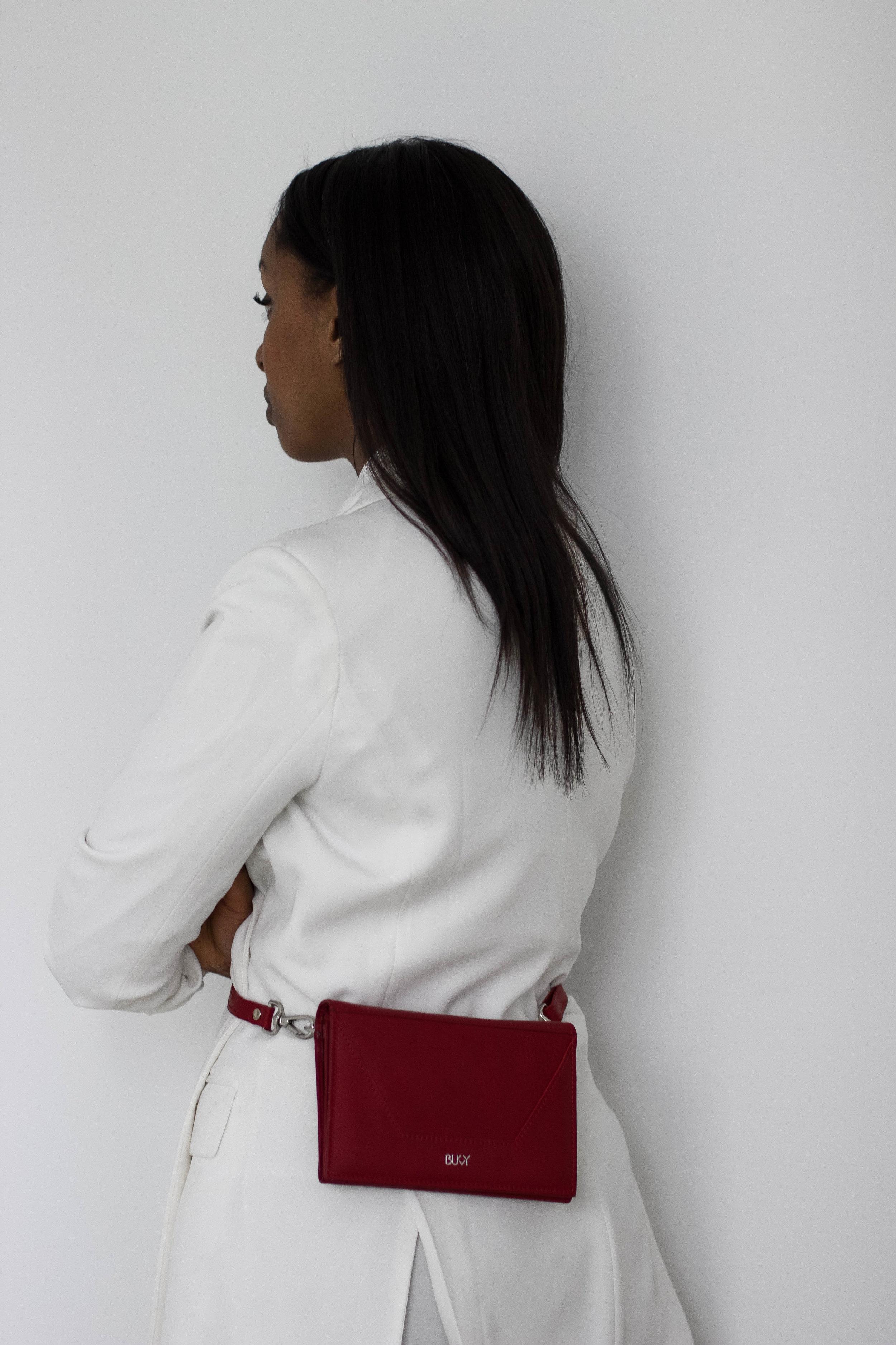 Wearing Blazer  Pretty Little Thing / Bag  Bukvy / Pants Zara