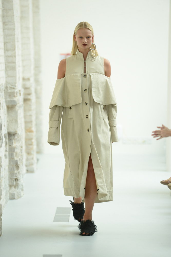 Josephine-Golla-SCANDINAVIAN ACADEMY OF FASHION DESIGN: THE GHOST OF MIYAKE-ABOUT-THAT-LOOK-FASHIONWEEKSS19