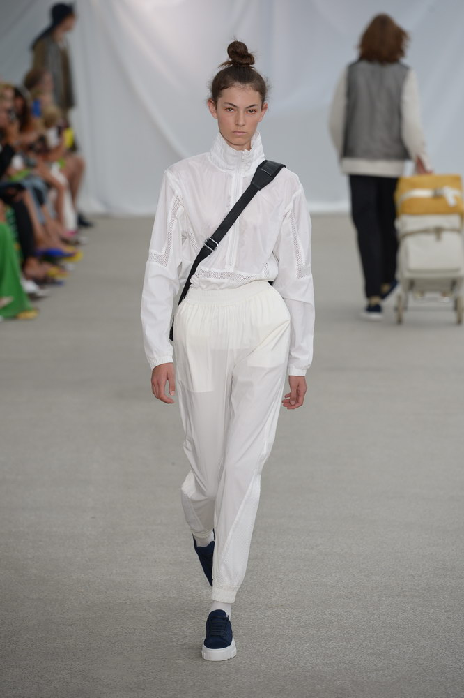 Holzweiler-copenhagen-fashionweek-ss19-about-that-look-runway