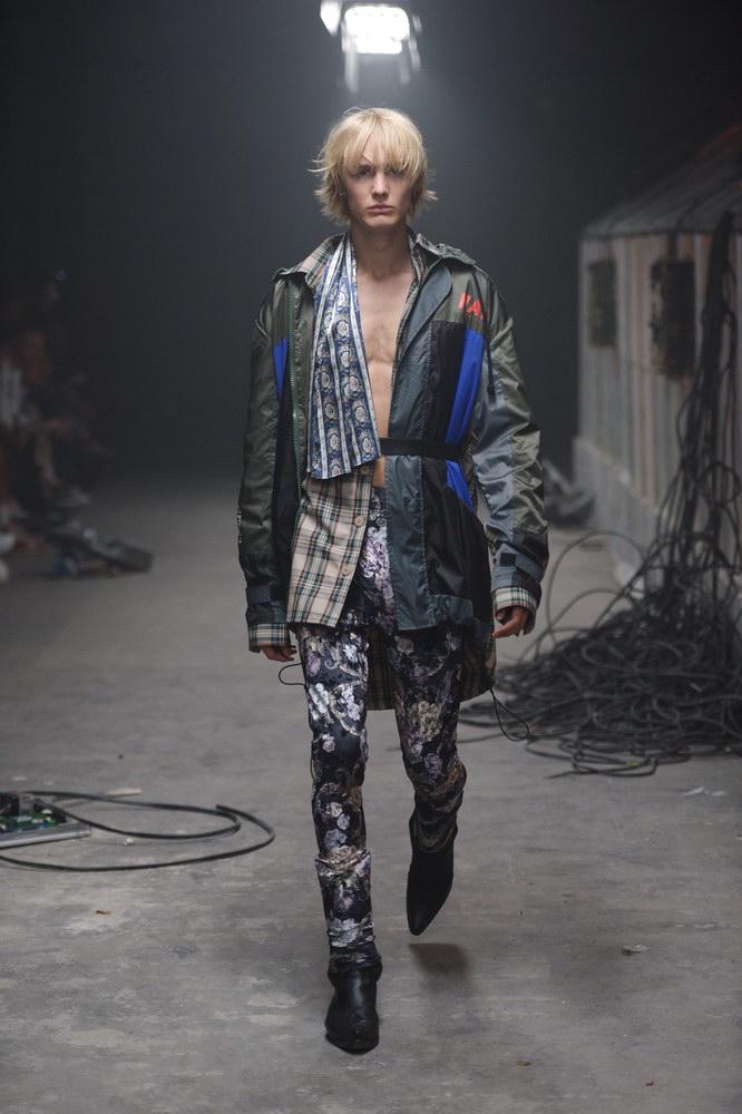 HAN KJØBENHAVN: THE GREENHOUSE EFFECT-fashionweekss19-fashion-week-runway-aboutthatlook