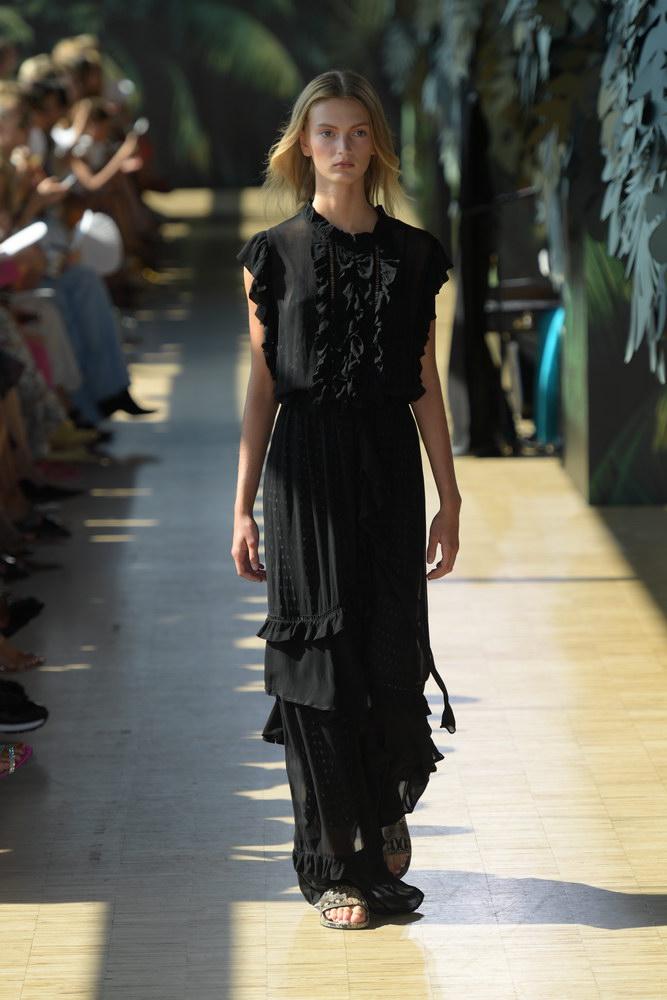 Munthe_012.jpgmunthe-fashionweekss19-runway-copenhagen-aboutthatlook