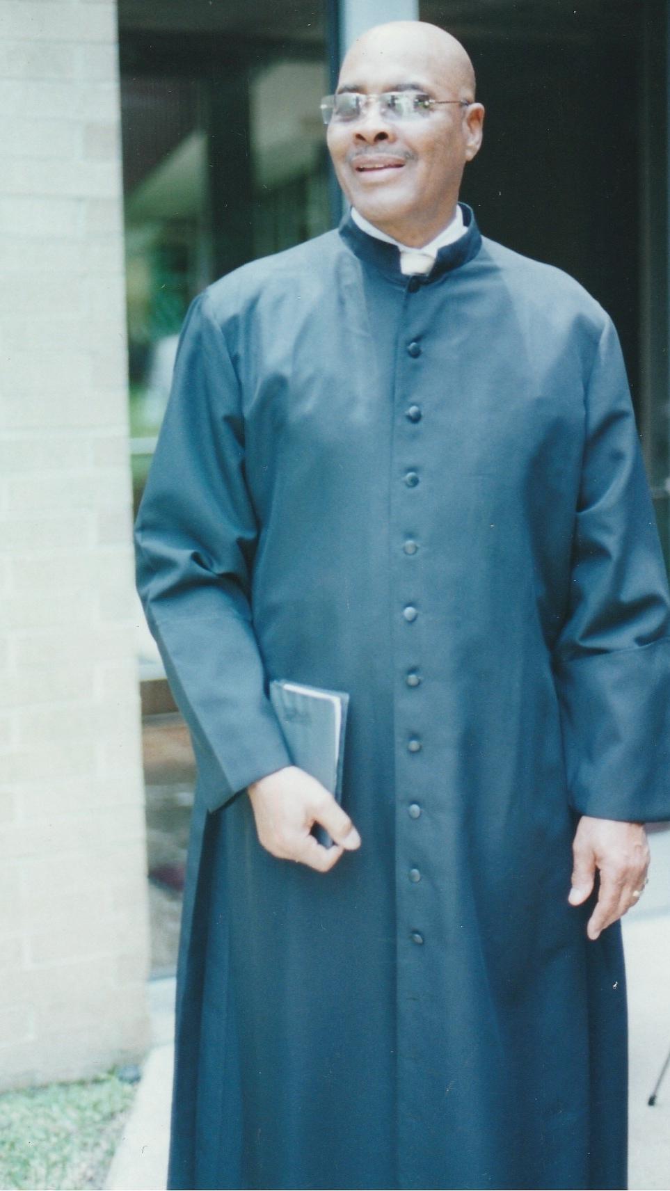 Rev. Dr. L.C. Carter_black robe_pippa.jpg
