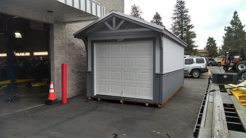 Smolich Nissan needed more storage for their car lot! Enter Tamarack Sheds. Painted to match the dealership colors, it fits right in!