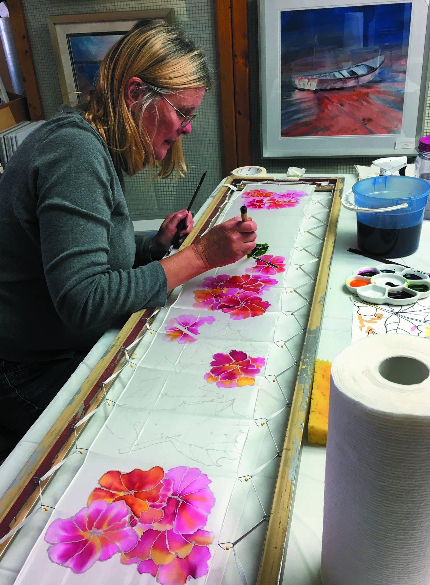 Silk painter at a France Austin Miller class