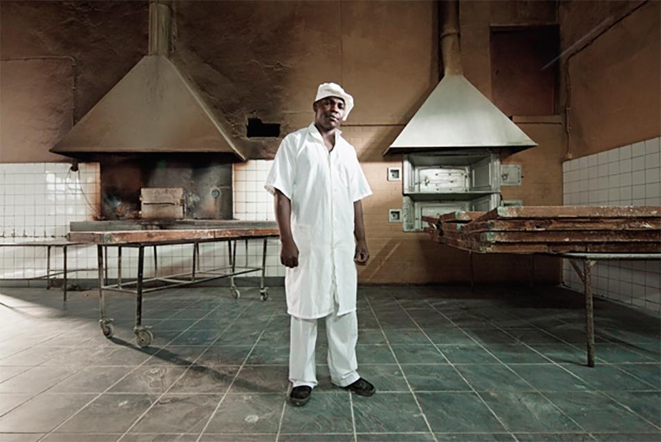 Filipe Branquinho, Jorge Macate, Padeiro (Jorge Macate, Baker), 2011. Courtesy the artist.