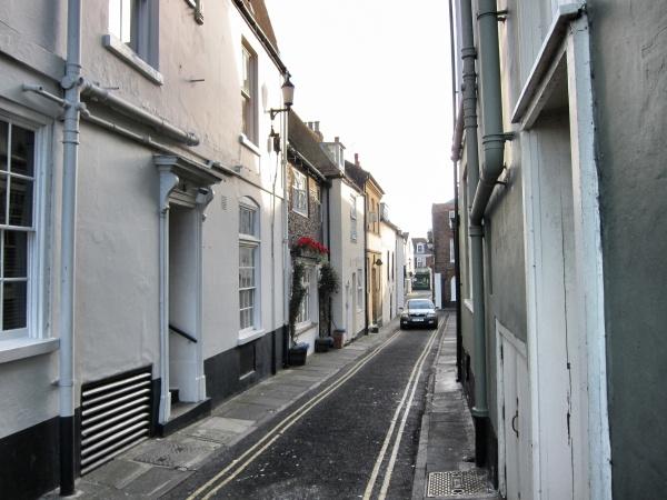 royalcinqueonelanestreet.jpg