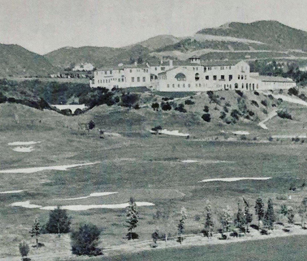 In the 1929 L.A. Open program after bunkers were added around the green.