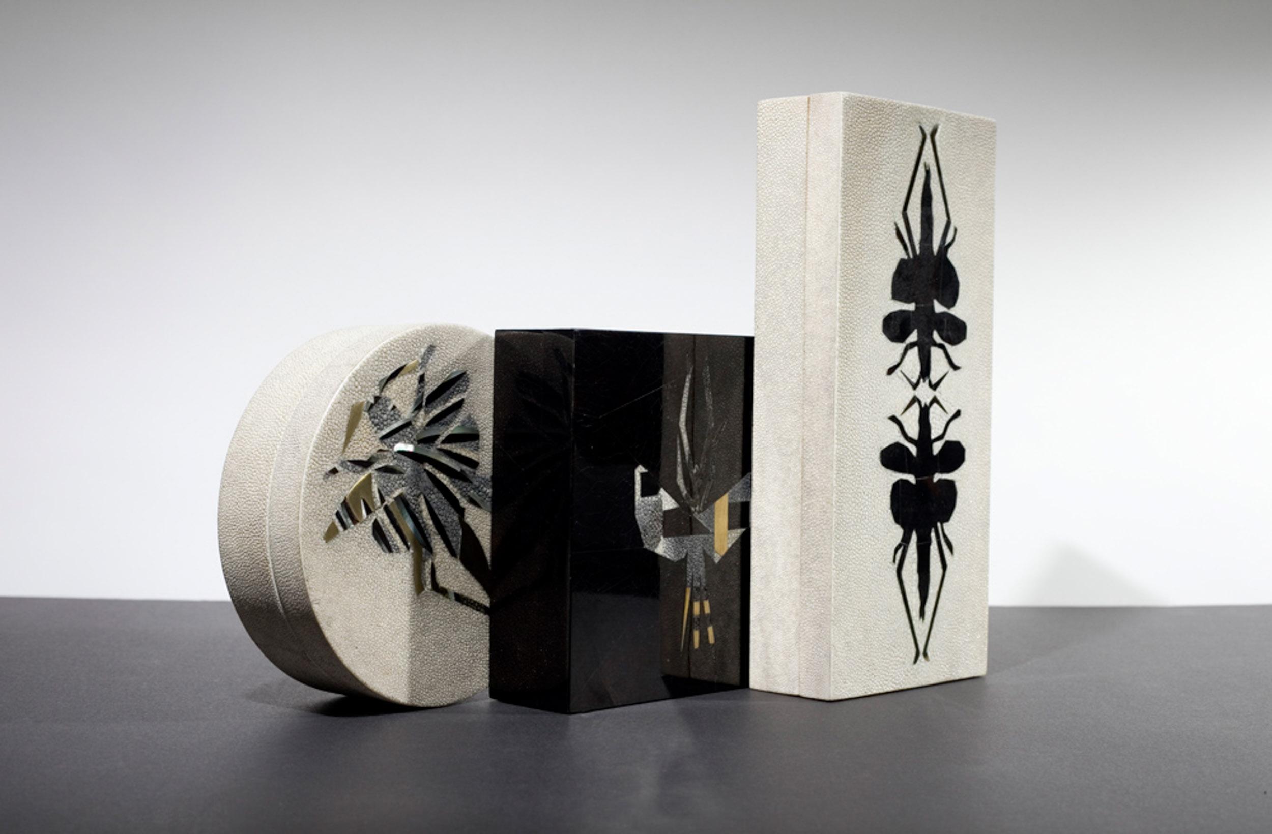kifu-paris-patterns-textures-bugs-emblems