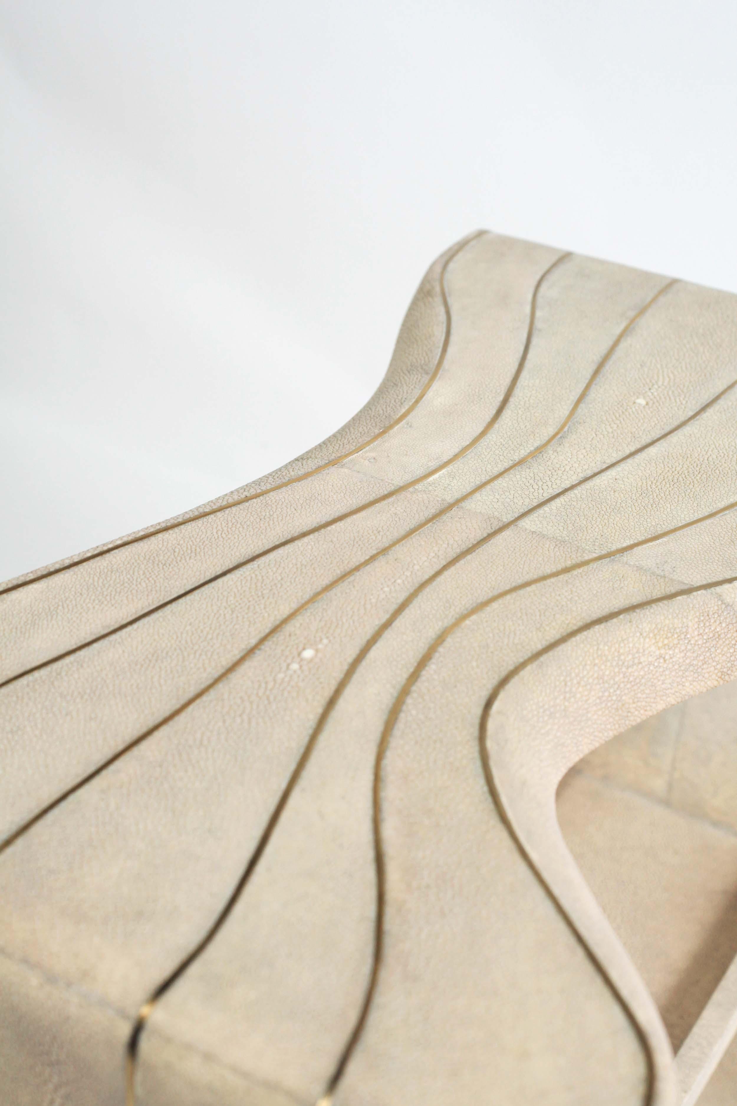 kifu-paris-materials-patterns-textures-shagreen-brass