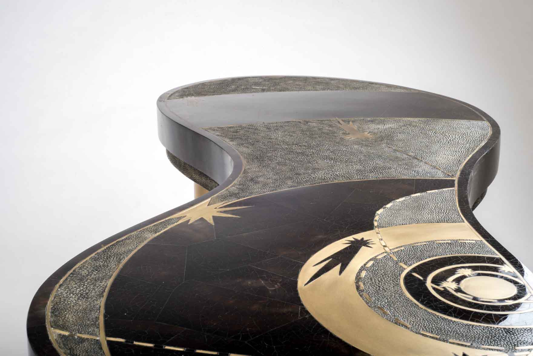 KCF03-D148-V7-Product-shop-Kifu-Paris-Texture-Shagreen-Shell-Interior-Tabletop=Decor-Accesories-Furniture.jpg