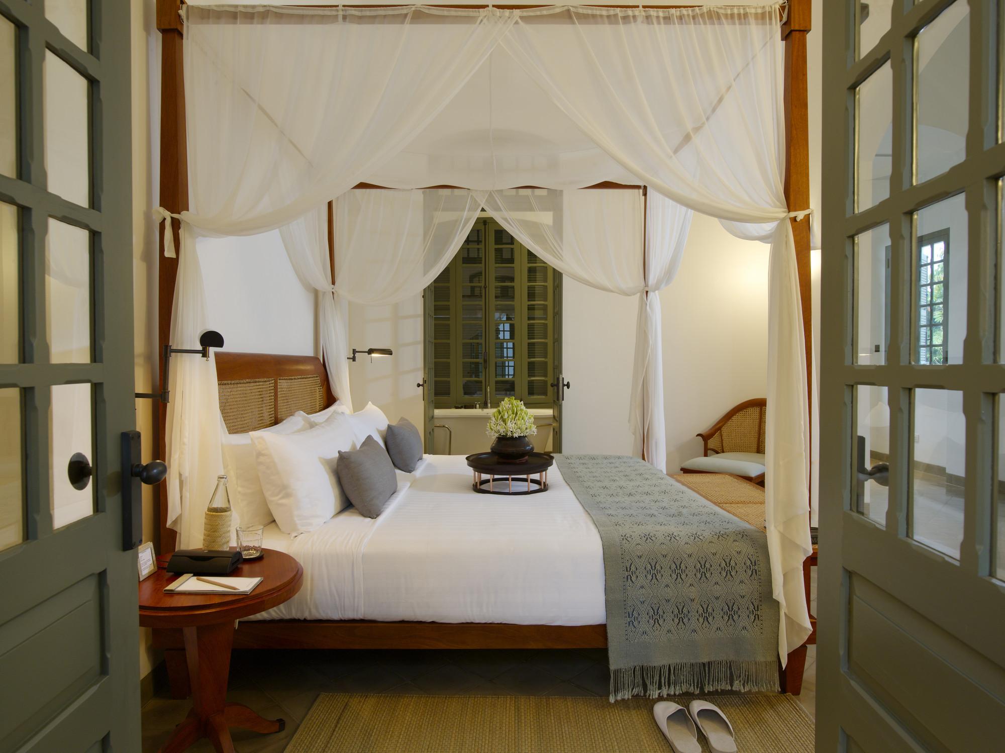 RS1162_Amantaka-Mekong-Suite-Bedroom-lpr-2.jpg