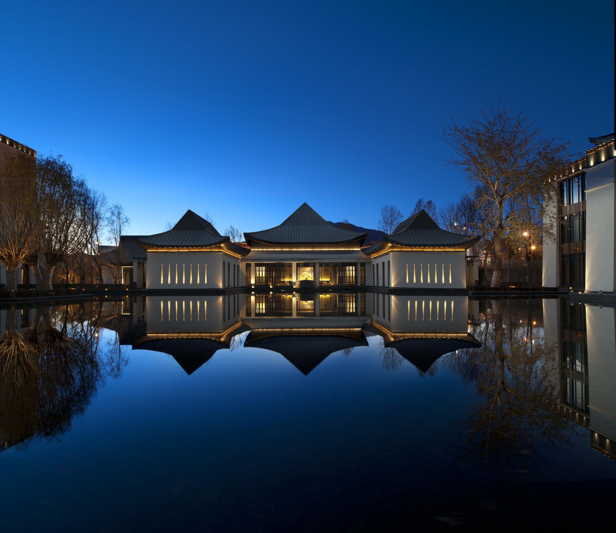 酒店夜景Garden-View-at-Night.jpg
