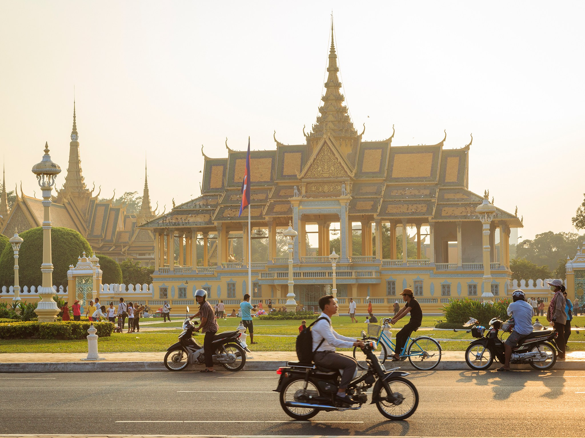 phnom-penh-royal-palace-cr-getty.jpg
