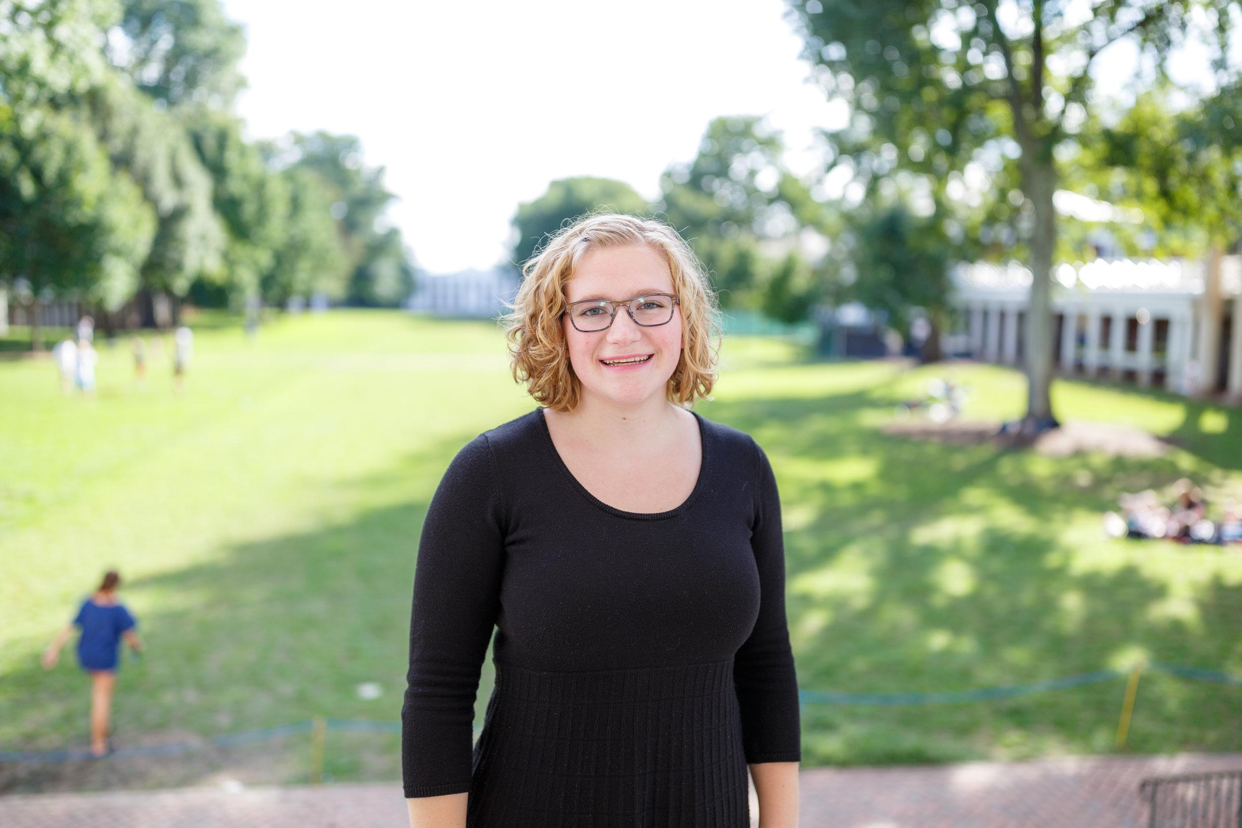 Julia Kothmann    Business Manager