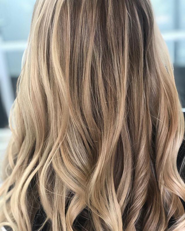 Summer ⭐️is right around the corner And going blonde can be a process. Book now so we can get the blond'n going #hairstyles #haircolor #haircut #highlights #sandiegohair #sandiegohairsalon #vineandbranchsalon https://vineandbranch.glossgenius.com/. see you soon!