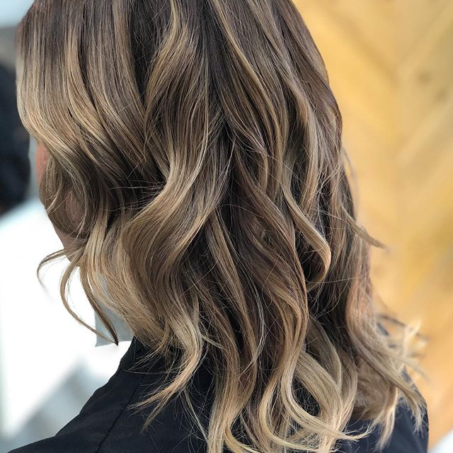 We blonde! Gorgeous hair, curled with @ghd_northamerica #balayage #highlights #vineandbranchsalon #sdhair #missionvalley #sandiegohair #newhaircolor book your appointment on your lunch break. It's super easy www.vineandbranchsalon.com