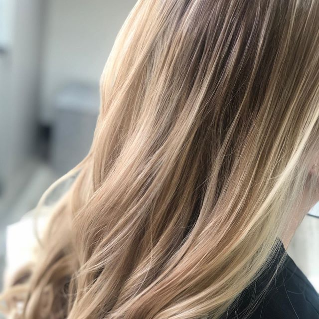 Soft and sweet #newhair #newhaircolor #sdhair #sandiegohair #vineandbranchsalon #highlights #hairtrends #haircolorideas #ashblonde #haircut don't forget you get 33% off your first visit! We don't know how much longer this deal is gonna last book now @ vineandbranchsalon.com