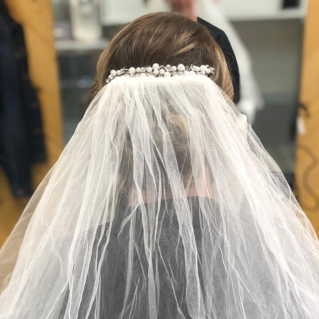 It's that SEASON bridal time is here! Although in San Diego it's bridal season all year around.. I'm noticing more and more brides walking in the door. They are loving their hair and makeup trials. These are a must. Come in before your big day & let's get your look to PERFECTION! #bridalshower #bridesmaids #bridesmaidhair #veil #ido #sdbride #sdhair #sandiegoweddings