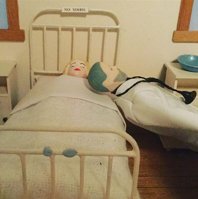 #hospital #nurses #doctors #dollshouse #lyingdownonthejob #medicalschool