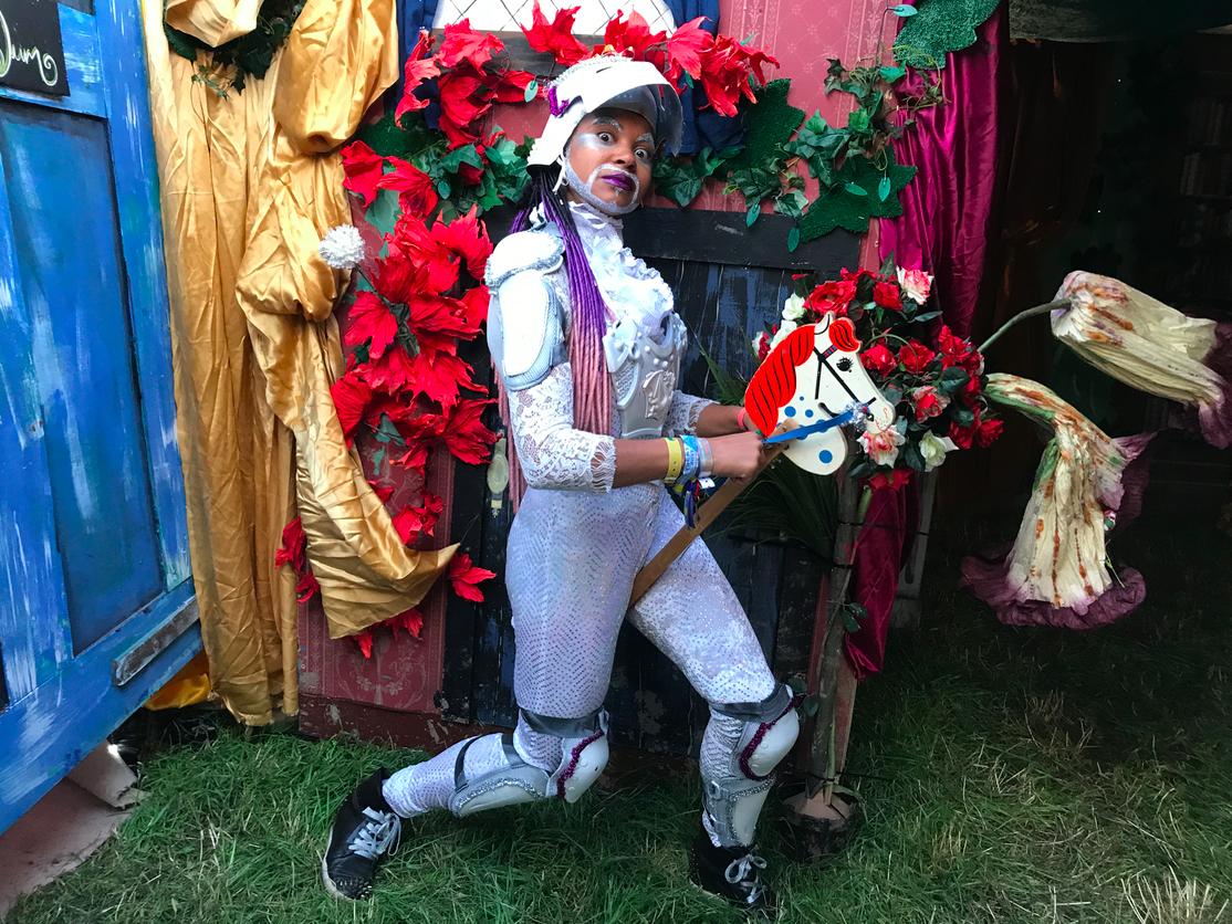 White Knight Glasto RabbitHole.png