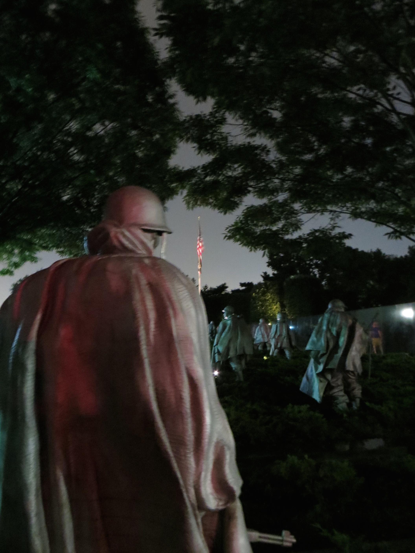 VIetnam War Memorial by night