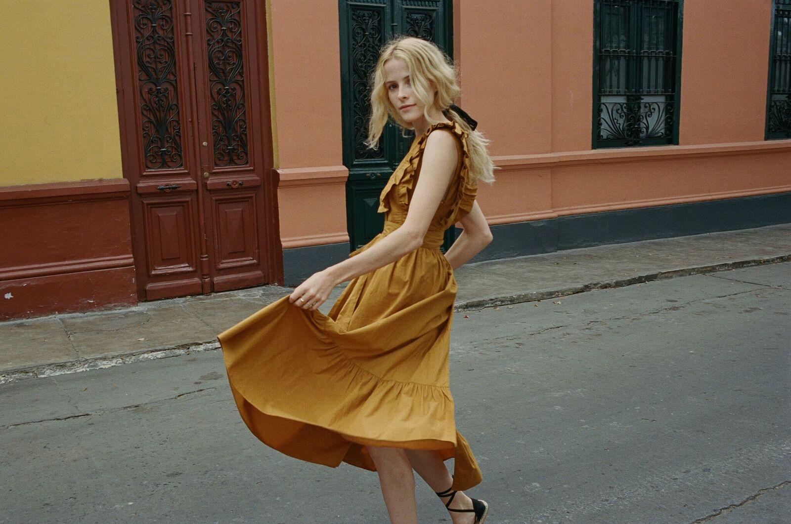 Savannah Dress in Adobe