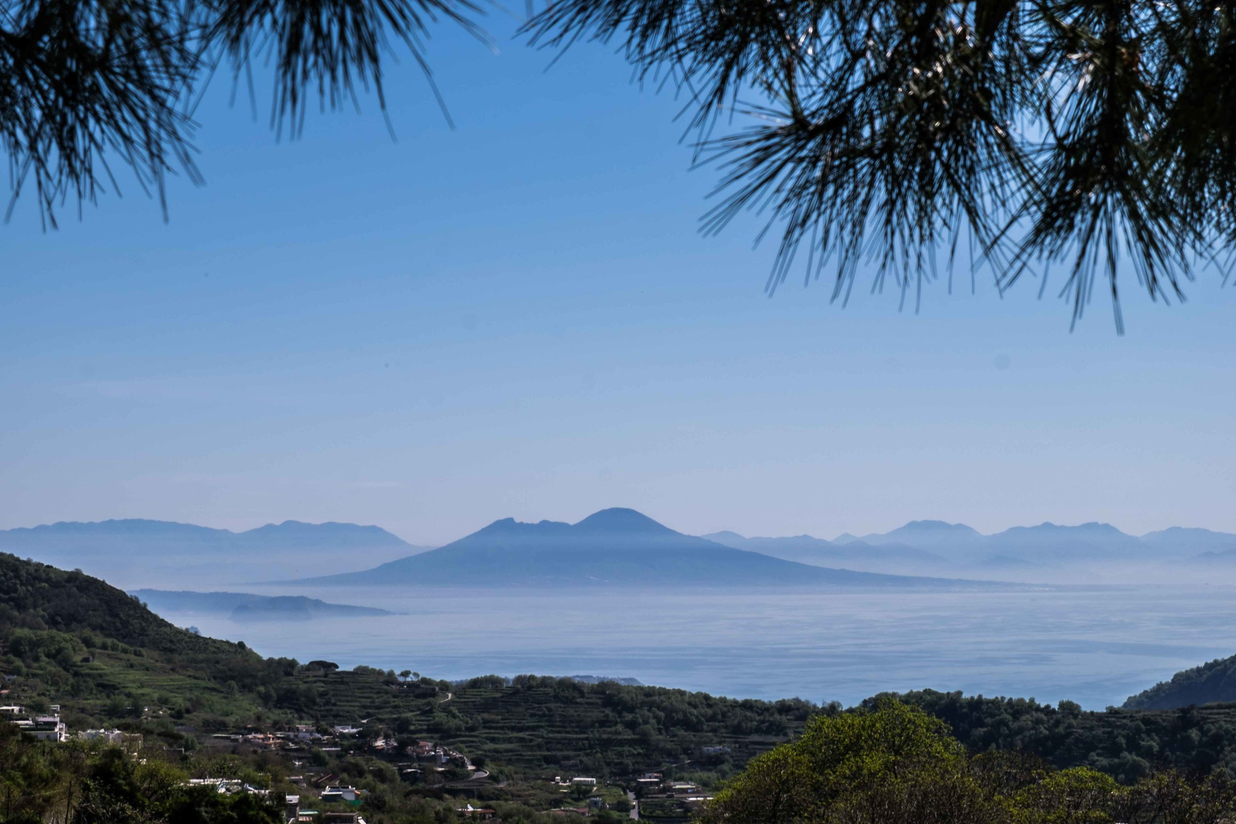 Vesuvius from Ischia | ©John Szabo (published by Jacqui Small)