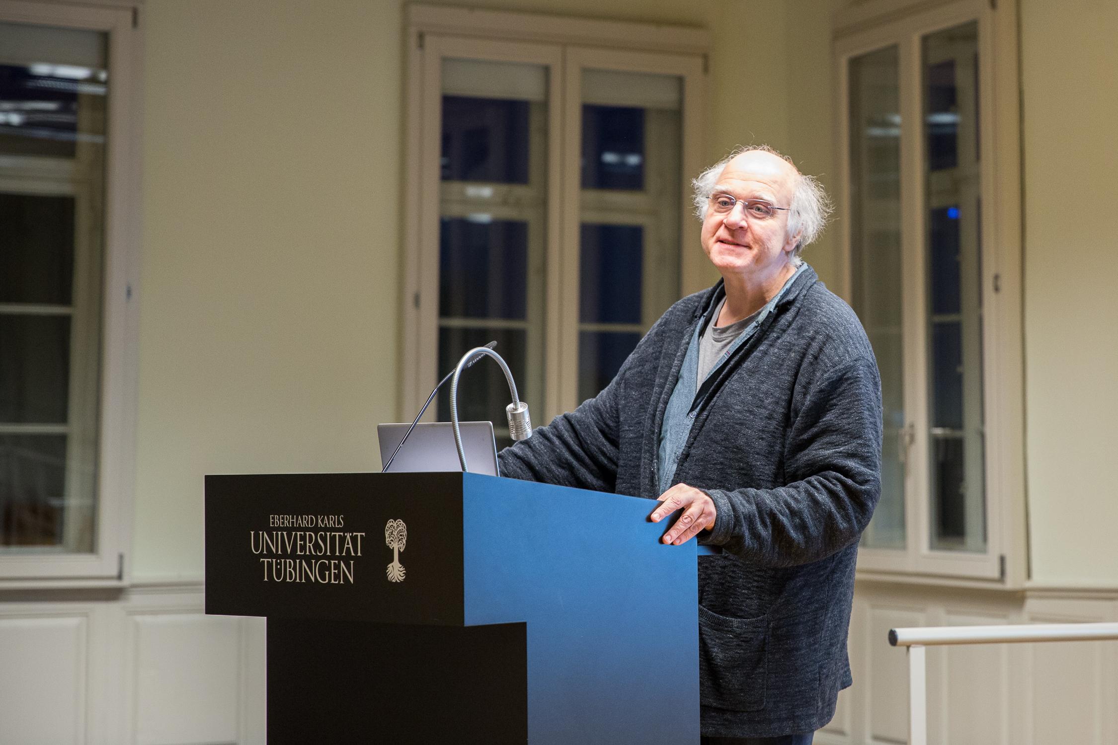 Der Leiter des Promotionskollegs Matthias Möhring-Hesse eröffnet die Veranstaltung