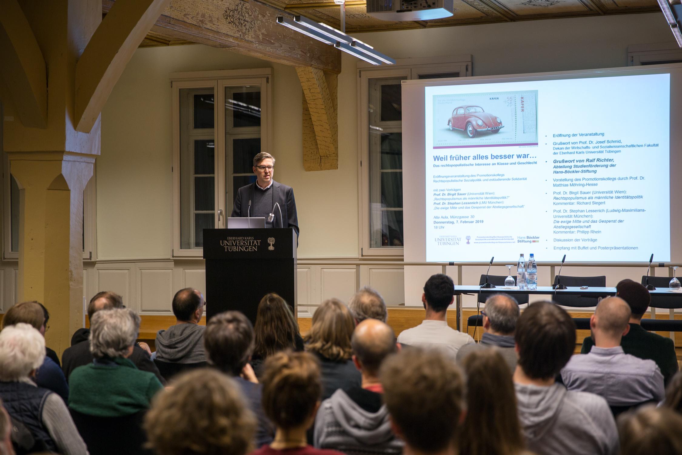 Ralf Richter von der Abteilung Studienförderung der Hans-Böckler-Stiftung, die das Kolleg finanziert, spricht im Namen der Stiftung.