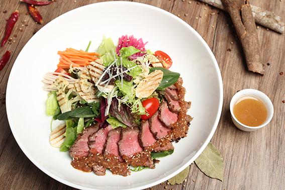 Ricci-Kalbi-Beef-Salad-2.png