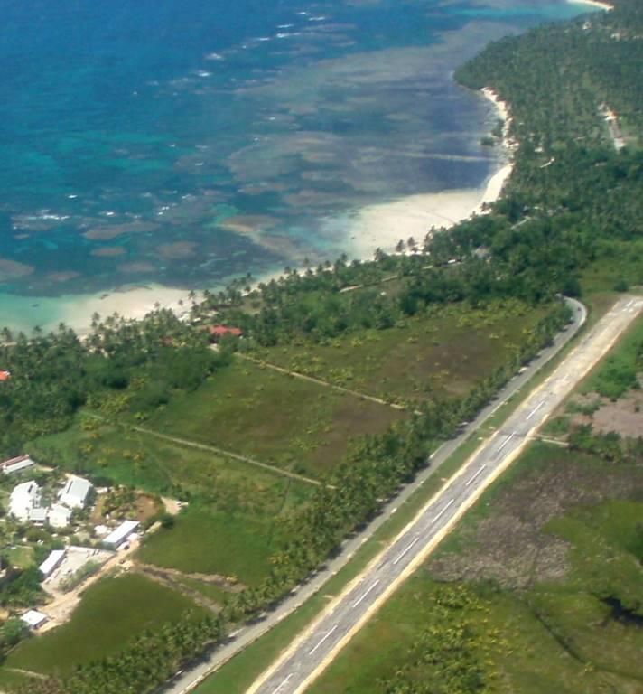 Beautiful Land with Beachfront Property1.jpg