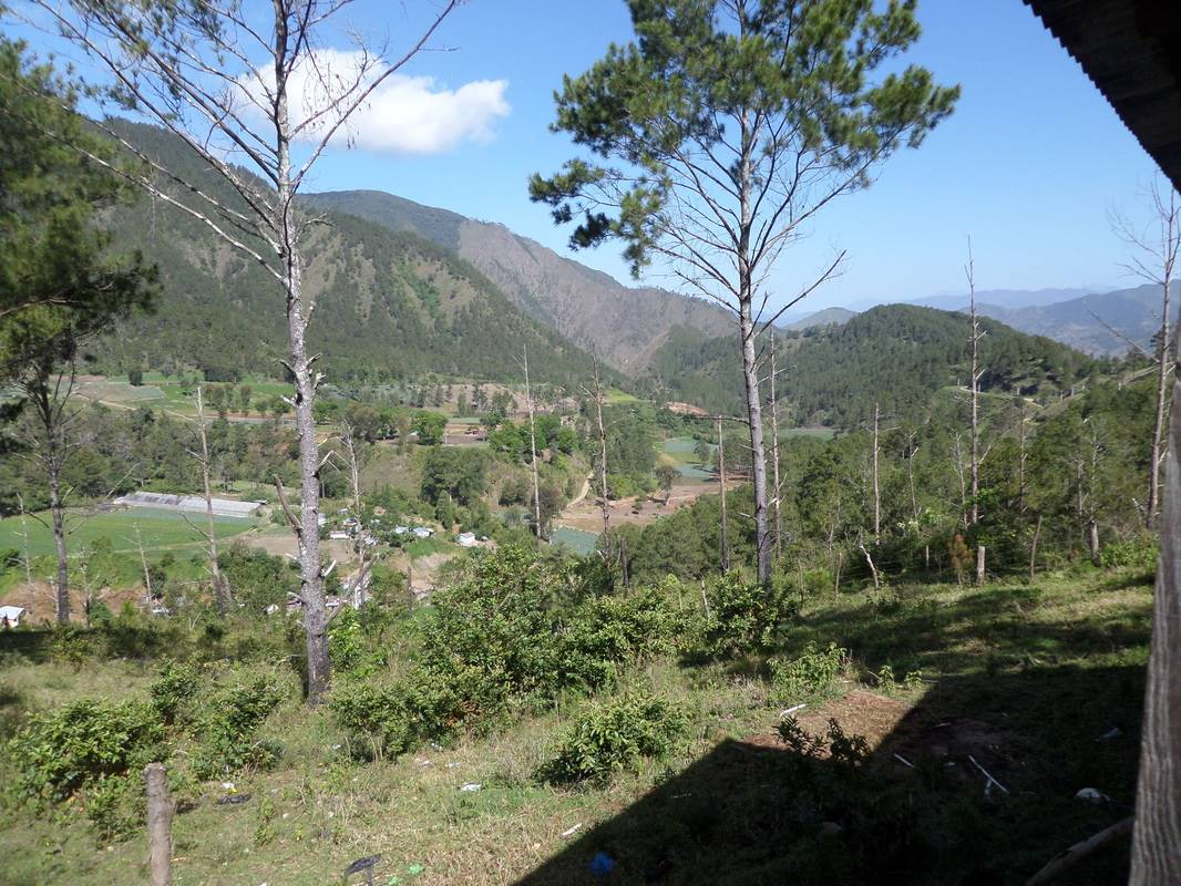 Big Land with Spectacular Views of the Valley2.jpg
