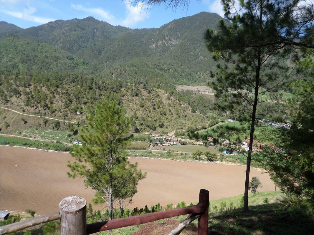 Big Land with Spectacular Views of the Valley11.jpg