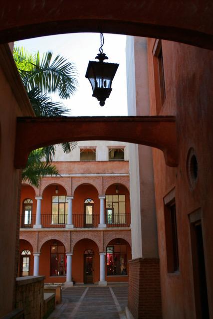 Plaza colonial Las Terrenas 5.jpeg