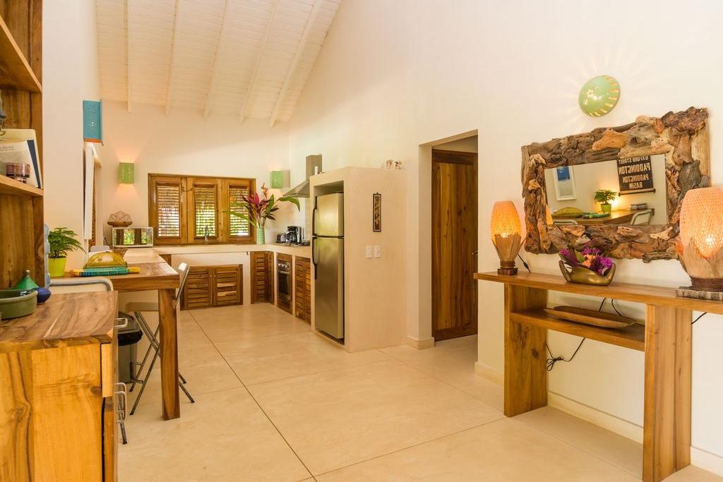 Villa Kitchen 2.jpg