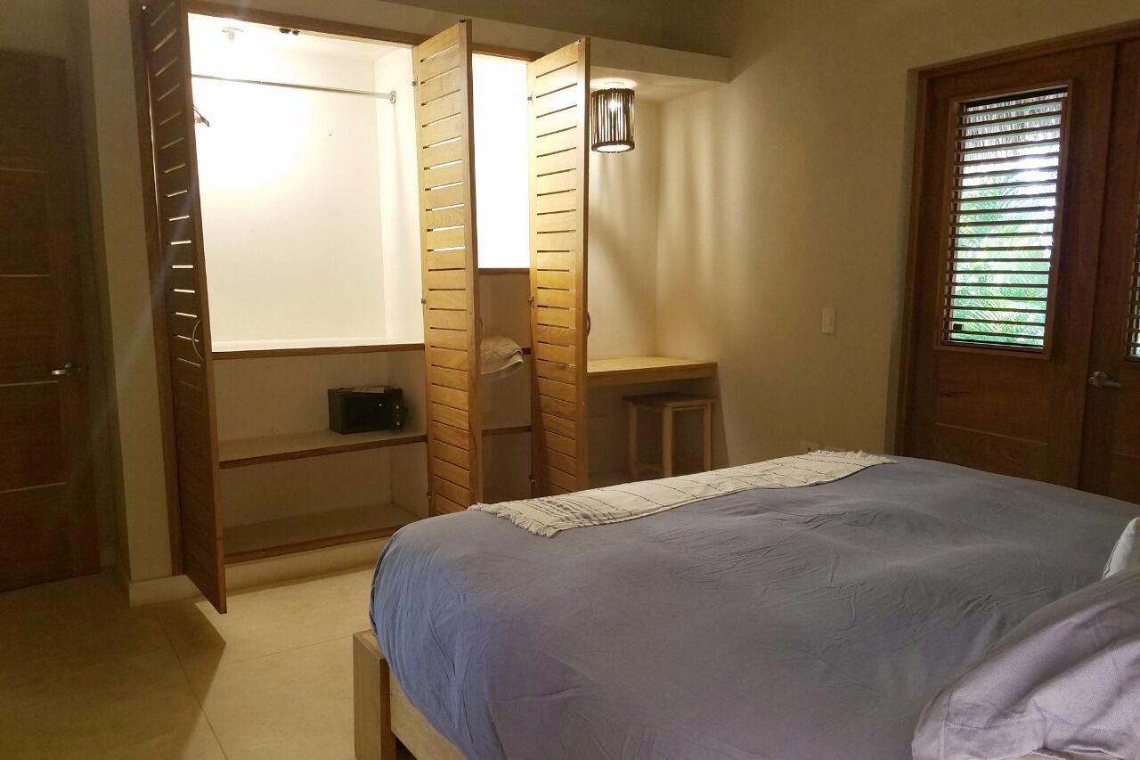 Villa bedroom 4b.jpeg