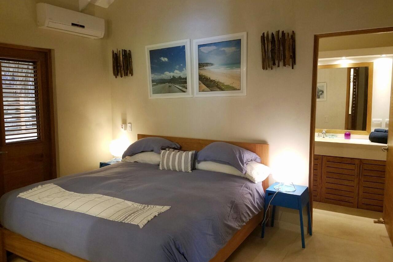 Villa bedroom 4.jpeg