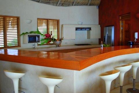 Loma Bonita kitchen 2.jpg