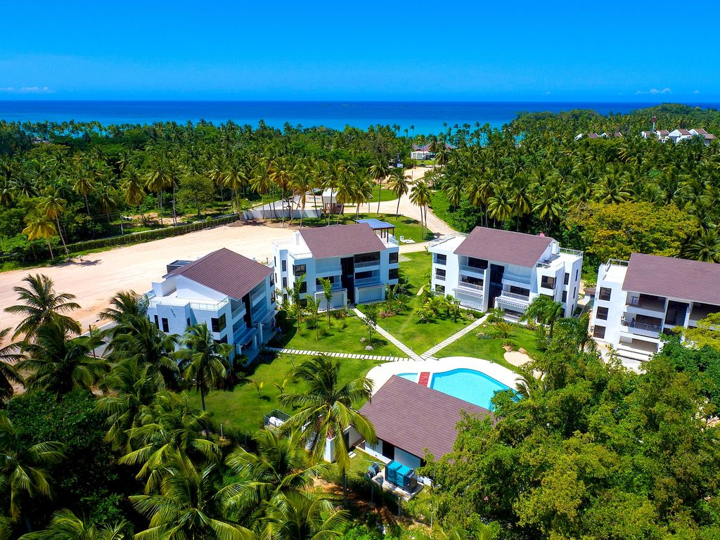 Los cocos playa bonita.jpg