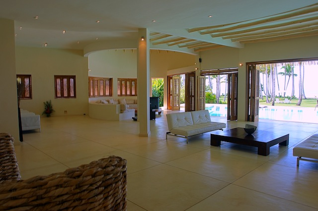 Casa Playa beachfront villa rent in Las Terrenas 11.jpg