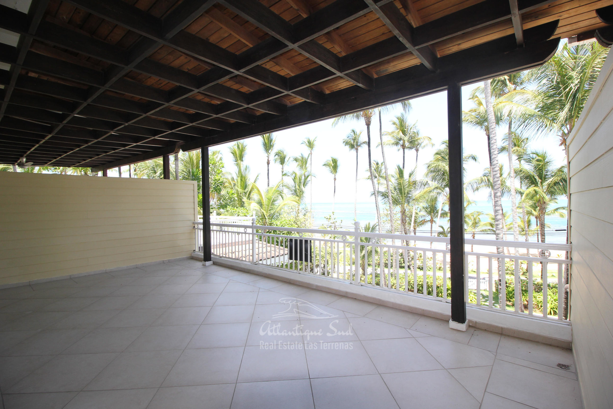 Spacious beachfront apartment in Playa Las Ballenas  in Las Terrenas Real Estate Dominican Republic4.jpg