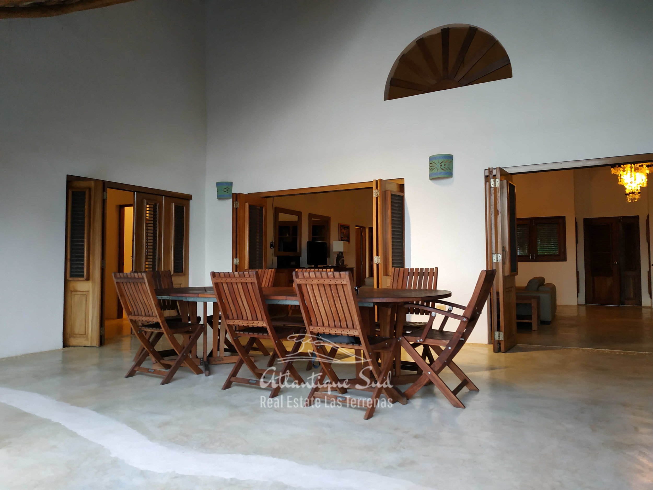 Villa los nomadas for sale beachfront 5.jpg