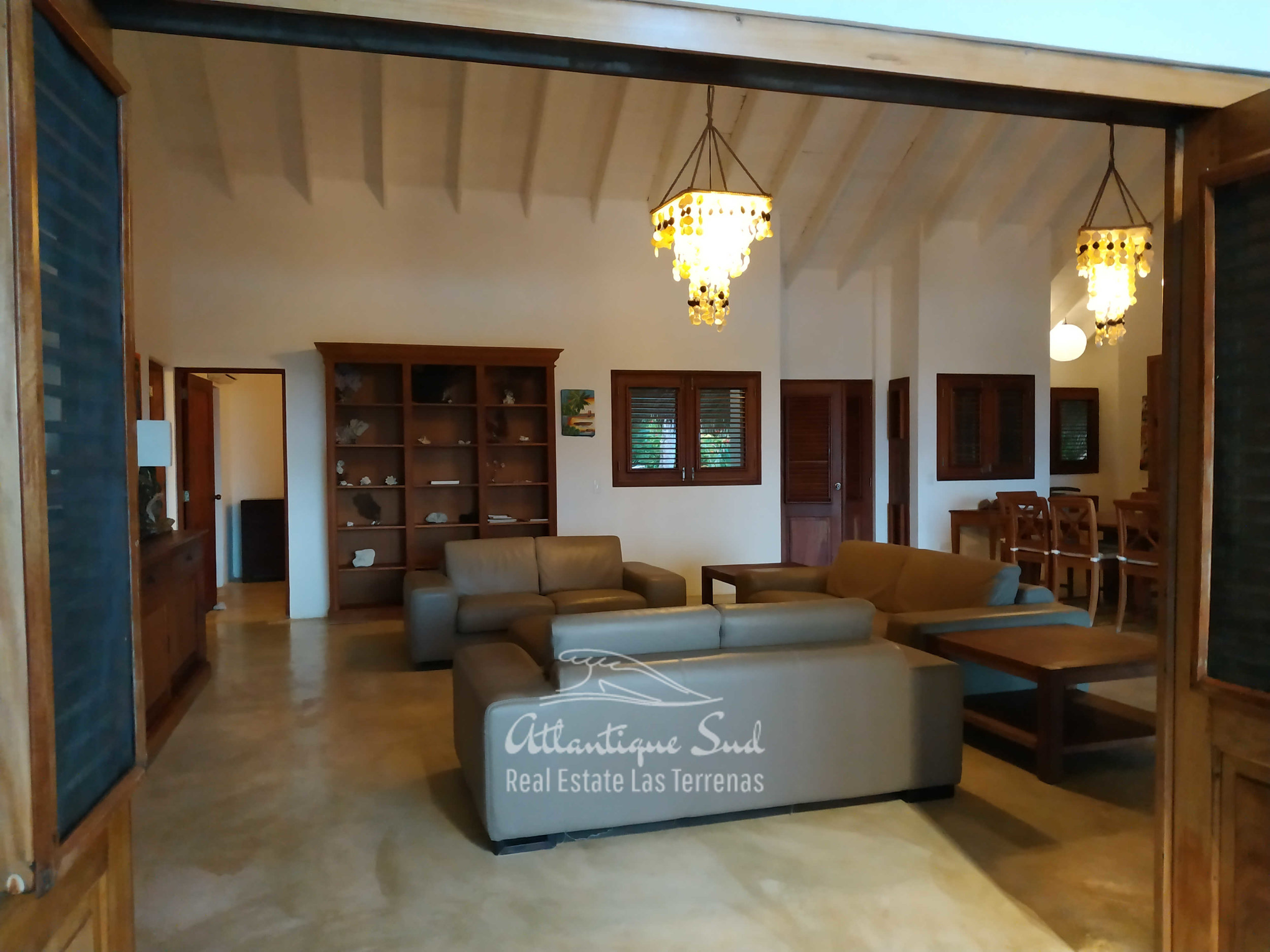 Villa los nomadas for sale beachfront 6.jpg