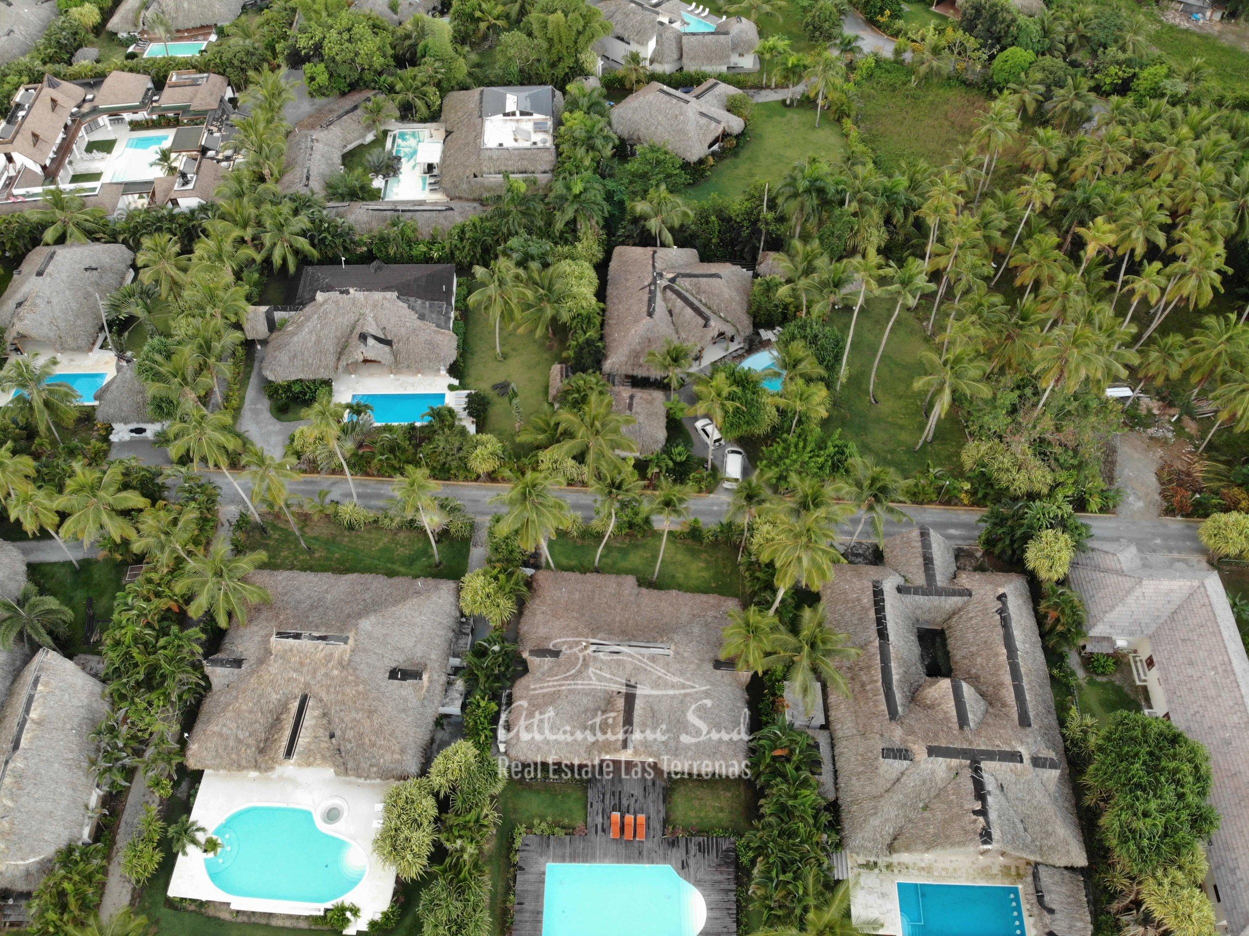 Villa los nomadas for sale beachfront4.jpg