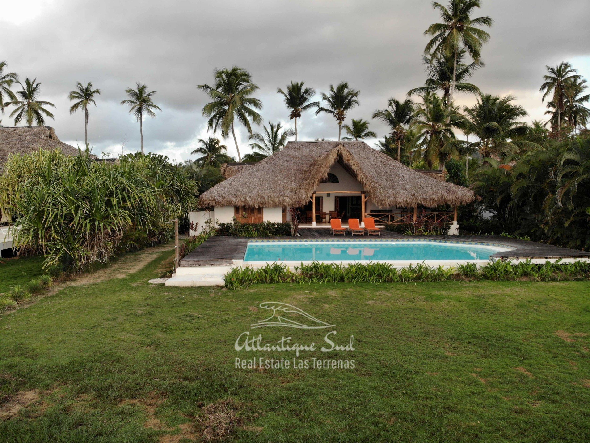 Villa los nomadas for sale beachfront6.jpg