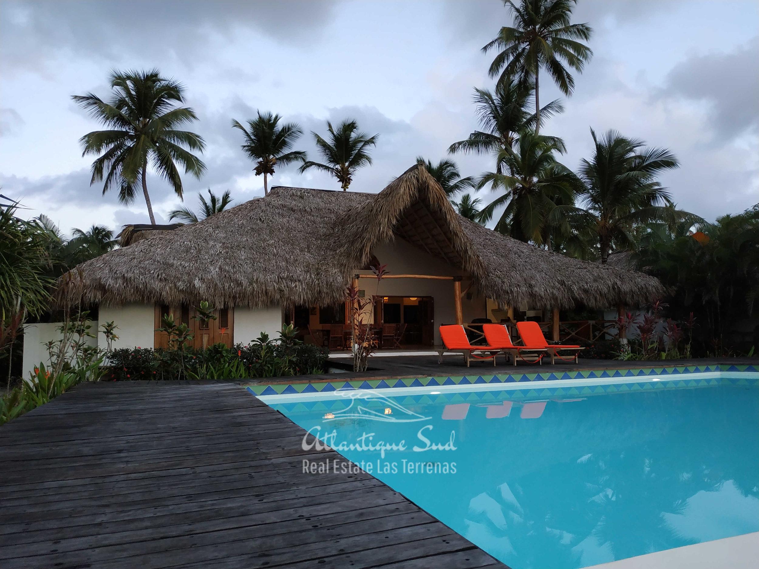Villa los nomadas for sale beachfront 26.jpg