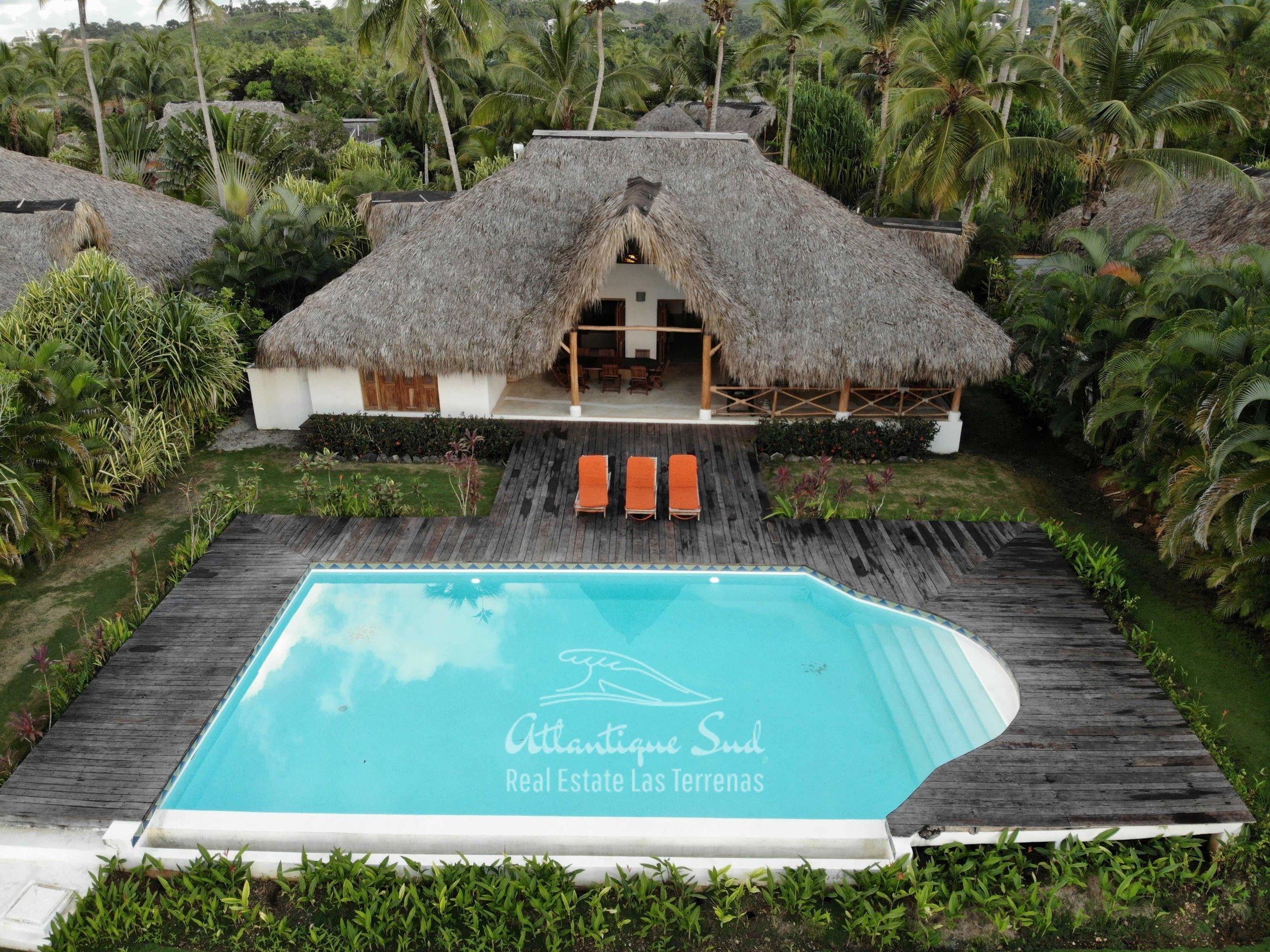 Villa los nomadas for sale beachfront2.jpg